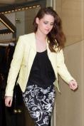 Kristen Stewart Sighting In Paris - September 27, 2012