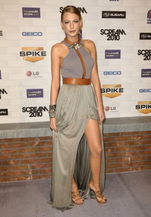 """Actress Blake Lively attends Spike TV's """"Scream 2010"""" at The Greek Theatre on October 16, 2010 in Los Angeles, California."""