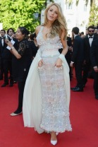 """CANNES, FRANCE - MAY 15: Actress Blake Lively attends the """"Mr Turner"""" premiere during the 67th Annual Cannes Film Festival on May 15, 2014 in Cannes, France. (Photo by Traverso/L'Oreal/Getty Images)"""