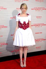 54af1338e54f4_-_birthday-emma-stone-spiderman-los-angeles-premiere-2012-xln