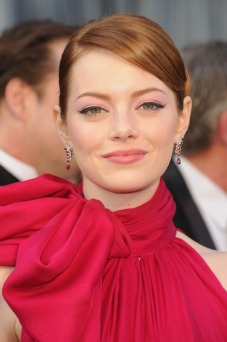 emma-stone-makeup-2012-oscars-red-carpet