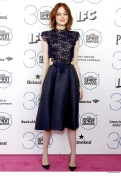 emma-stone-wearing-monique-lhuillier-dress-022115