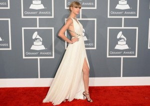 Grammy-Awards-2013-Rec-Carpet-Best-Dressed-Taylor-Swift-Grammys-2013-Red-Carpet-Fashion-And-Performance41-600x427
