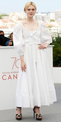 "CANNES, FRANCE - MAY 24: Elle Fanning at the ""The Beguiled"" photocall during the 70th Cannes Film Festival at the Palais des Festivals on May 24, 2017 in Cannes, France. PHOTOGRAPH BY John Rasimus / Barcroft Images London-T:+44 207 033 1031 E:hello@barcroftmedia.com - New York-T:+1 212 796 2458 E:hello@barcroftusa.com - New Delhi-T:+91 11 4053 2429 E:hello@barcroftindia.com www.barcroftimages.com (Photo credit should read John Rasimus / Barcroft Images / Barcroft Media via Getty Images)"