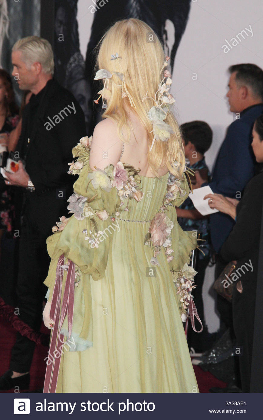 elle-fanning-09302019-the-world-premiere-of-maleficent-mistress-of-evil-held-at-the-el-capitantheatre-in-los-angeles-ca-photo-cronoshollywood-news-2A28AE1