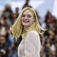 elle-fanning-fainted-at-cannes-because-dress-too-tight