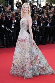 CANNES, FRANCE - MAY 23: Elle Fanning attends the 70th Anniversary screening during the 70th annual Cannes Film Festival at Palais des Festivals on May 23, 2017 in Cannes, France. (Photo by Gisela Schober/Getty Images)