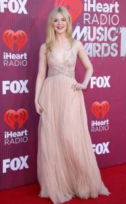 rs_634x1024-190314162355-634.elle-fanning-iheartradio-music-awards-2019-arrivals.ct.031419