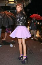 zendaya-coleman-leggy-in-mini-skirt-going-to-dinner-in-new-york-city-april-2014_1