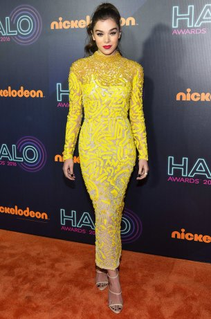 Mandatory Credit: Photo by Erik Pendzich/REX/Shutterstock (7431058h) Hailee Steinfeld Nickelodeon Halo Awards, New York, USA - 11 Nov 2016
